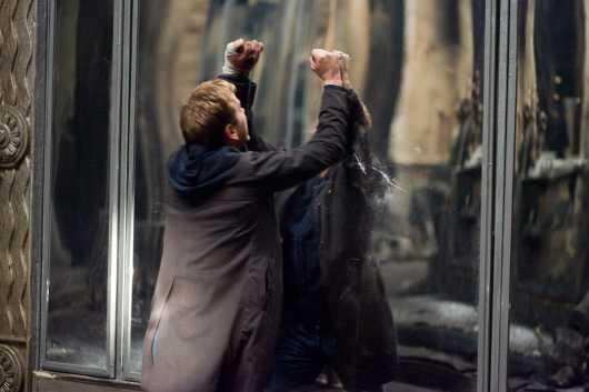 Скачать Зеркала / Mirrors (2008) DVDRip бесплатно.
